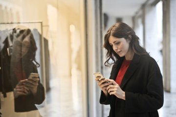 Mobile Apps as Indispensable Elements in E-Store Mobile Strategy.
