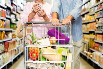 Shopping with Smartphone in Hand. What Should Modern M-Commerce Applications Include?